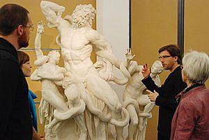 Das Programm wendet sich an Personen, die in Museen, Sammlungen und Galerien arbeiten wollen