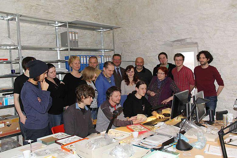 Studenten und Dozenten der Universitäten Wien und Köln wollen im Rahmen eines Projektes die altsteinzeitlichen Funde aus dem Kremser Raum invetarisieren und aufarbeiten (Foto: Norbert Weigl)