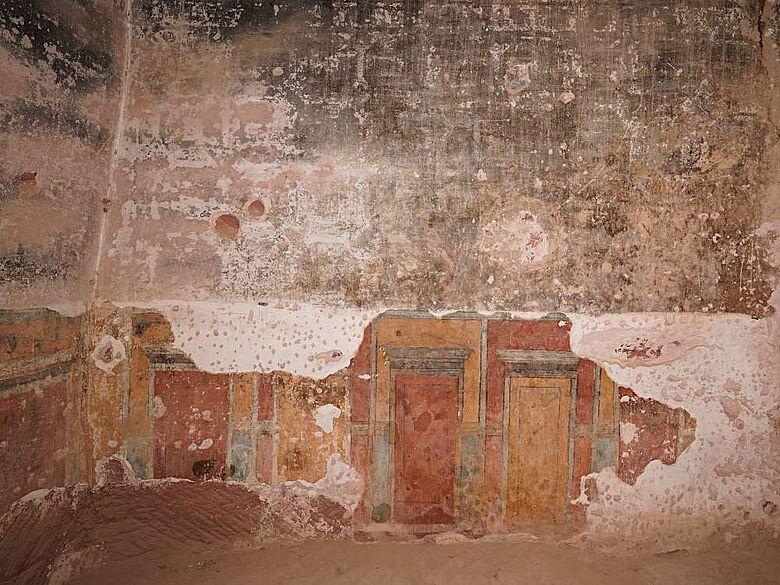 Nabatäische Wandmalerei in der ausgemalten Wohnhöhle von Wadi as-Siyyagh