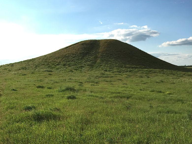 Kurgan der Bronzezeit in der Kaspi‐Steppe