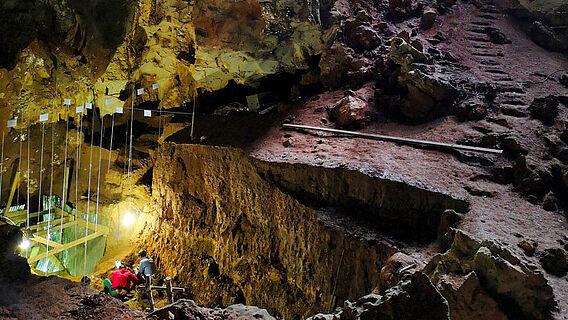 Ausgrabung in der Höhle Tam Pà Ling