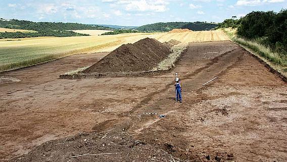Graben des römischen Marschlagers bei Hachelbich