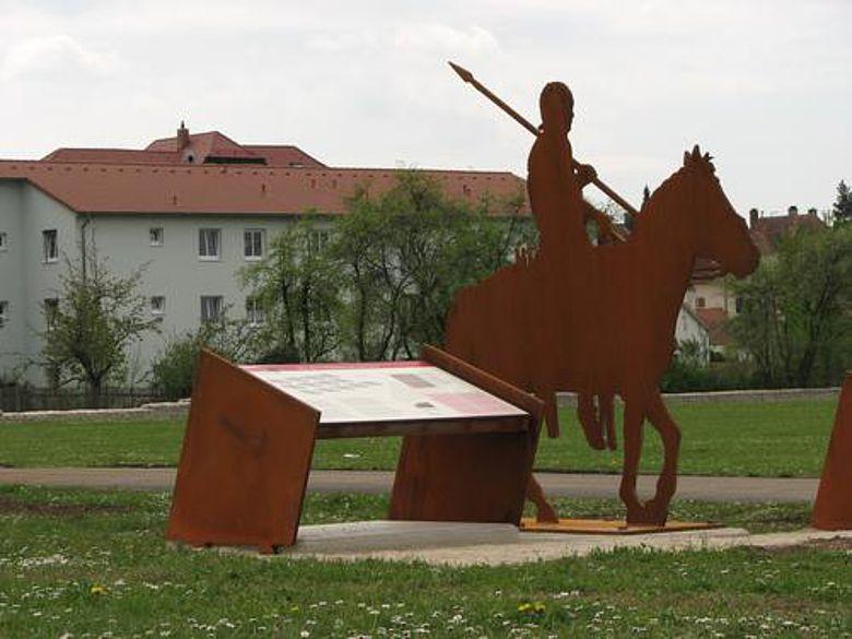 Die neue Beschilderung innerhalb der Kastellanlage von Biriciana/Weißenburg (Foto: Tremmel)
