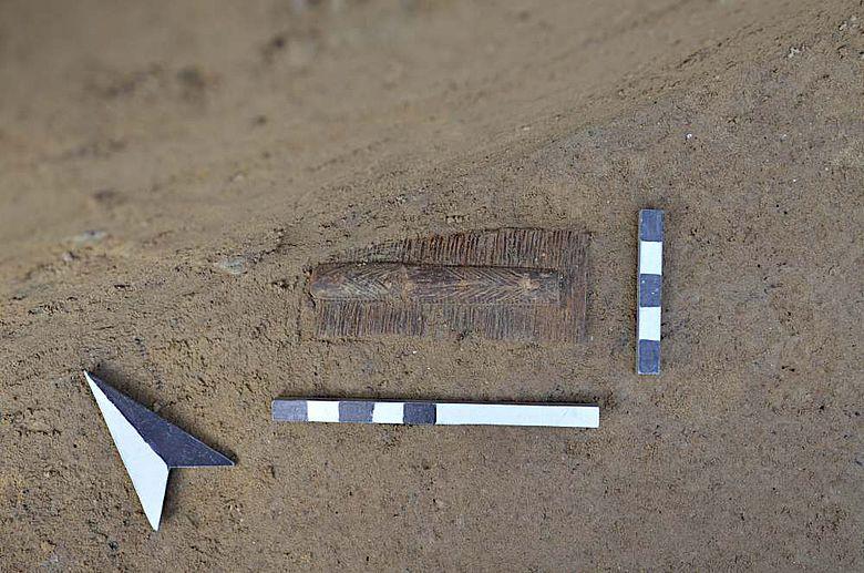 Dreilagiger Knochenkamm aus dem frühen Mittelalter (ca. 4. – 8. Jh. n. Chr.)