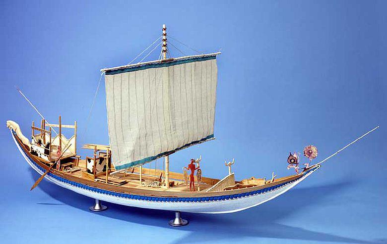 Modell eines spätminoischen Segelschiffs