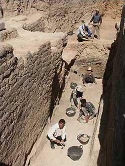 Grabungsszene im Palast von Qatna. (Foto: Guenther Mirsch)
