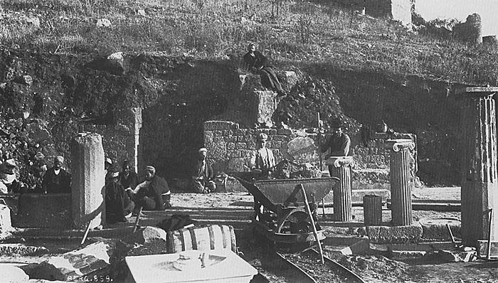 Grabungsansicht von Pergamon 1904. (Foto: DAI)