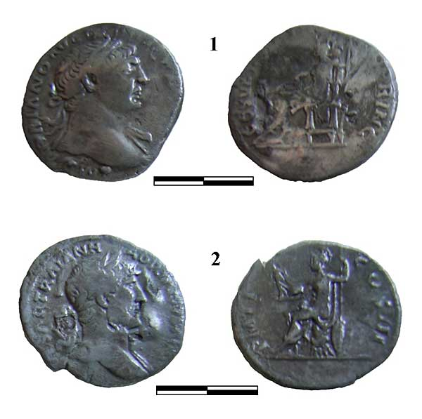 Abb. 6| Denare Trajan (1) und Hadrian (2) von Bleiwäsche (Fotos M. Straßburger)