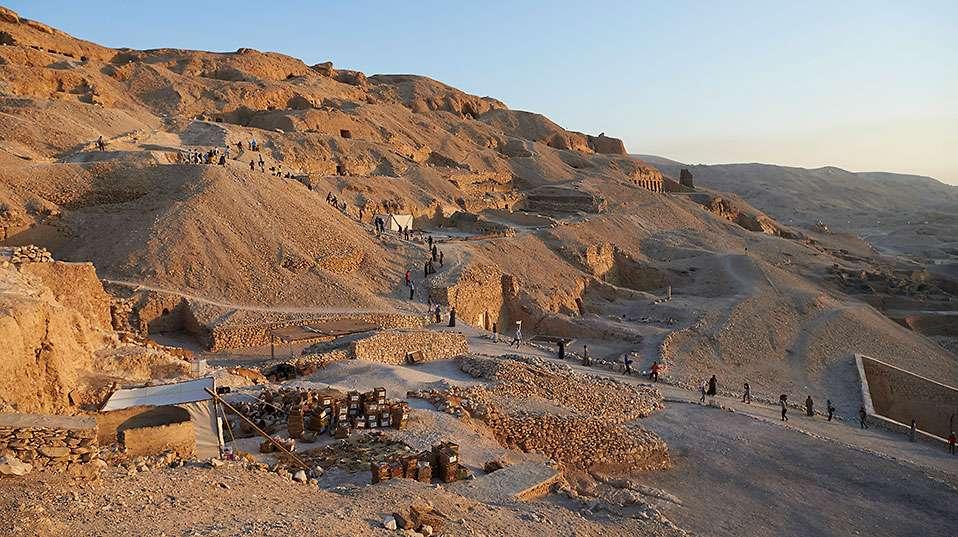 Blick auf das Grabungsareal im Friedhof von Sheikh 'Abd el-Qurna