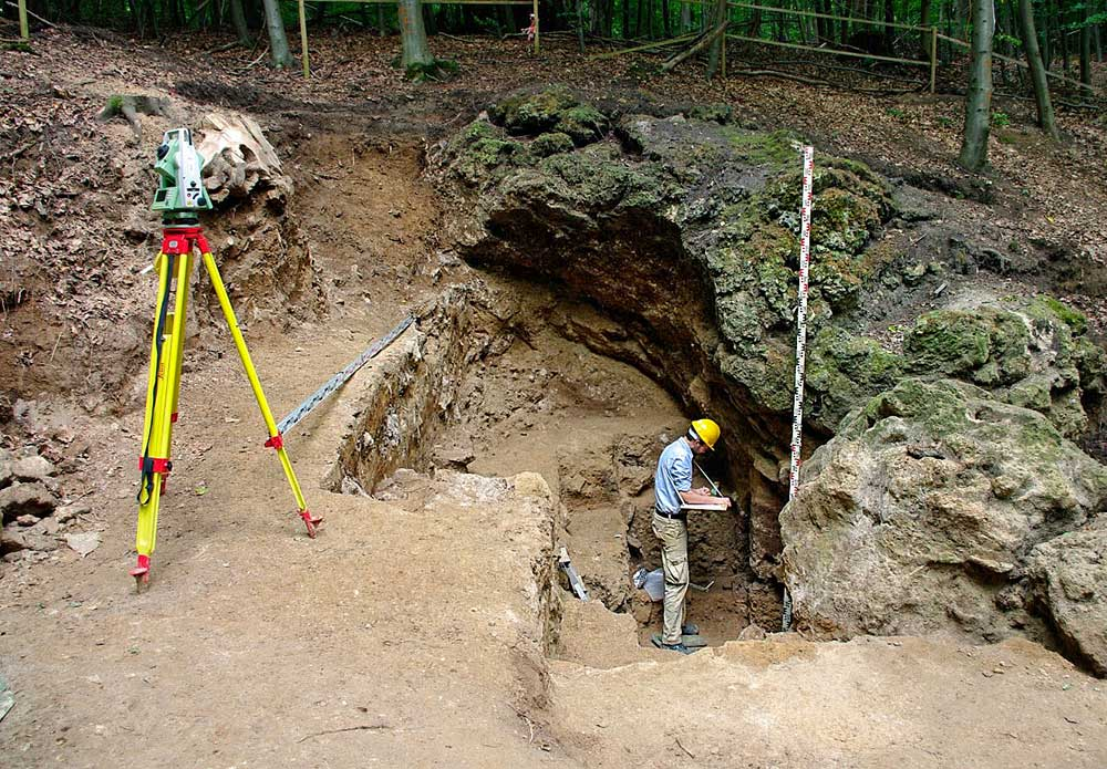 Ausgrabung Einhornhöhle