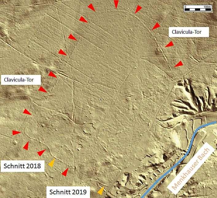 Im Digitalen Geländemodell ist der Verlauf des Walls eindeutig erkennbar