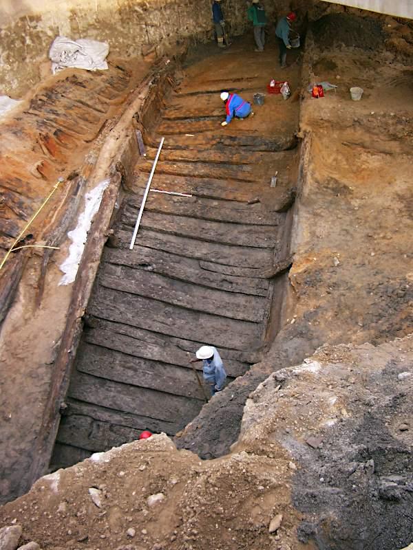 Ausgrabung eines römischen Schiffes in Lyon