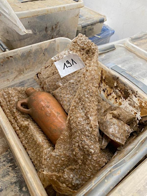 Angelieferte Objekte aus dem Depot des Stadtmuseums Ahrweiler