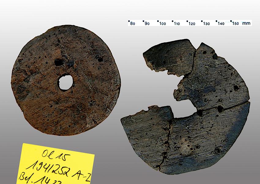 Neolithische Modellräder aus Holz, Olzreute