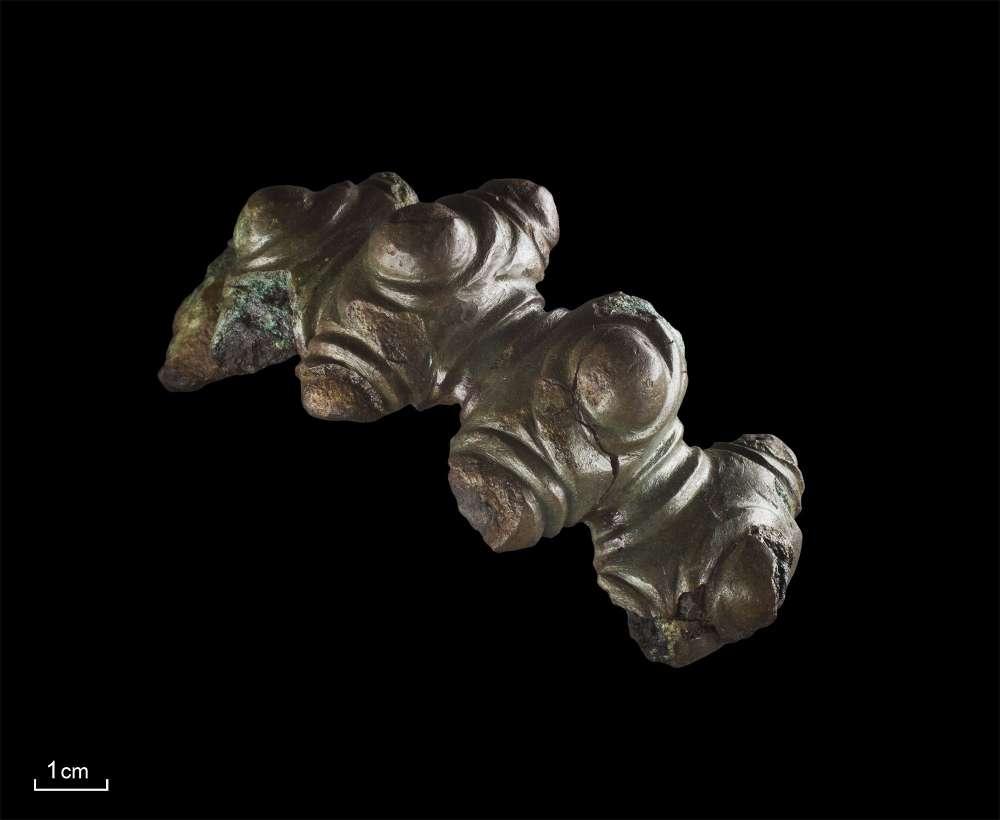 Der Hohlbuckelarmring war während der Eisenzeit ein exklusiver Frauenschmuck in der Region. (Foto: LWL/Menne)