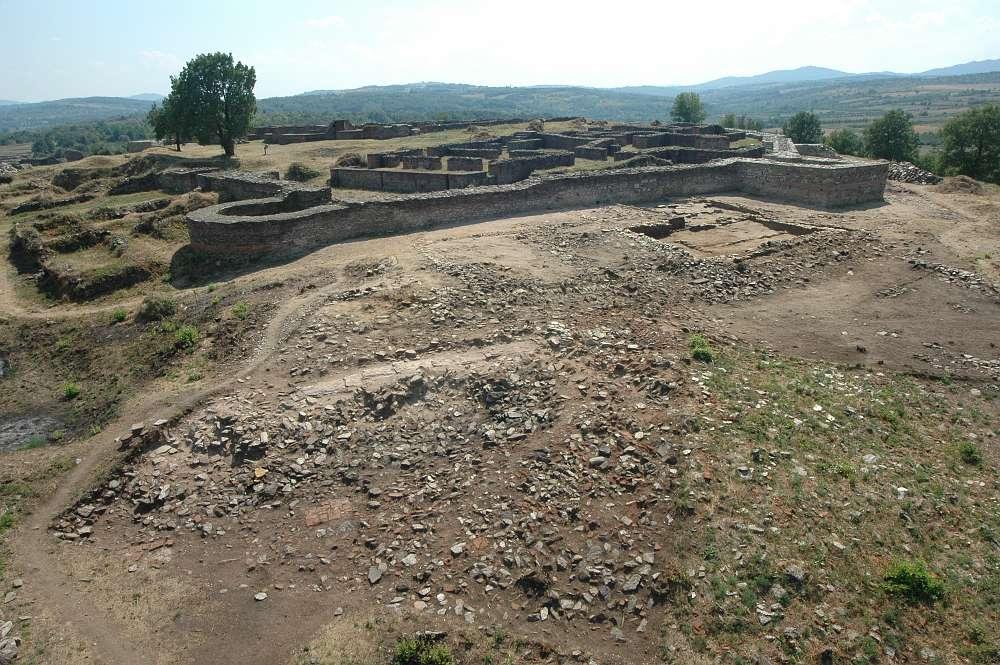Ansicht der Akropolis von Caričin Grad
