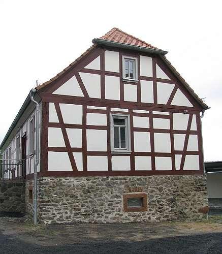 Das erste sanierte Gebäude von Hof Graß - das Limesinformationszentrum für den Landkreis Gießen in Hessen (Foto: LDA Hessen)