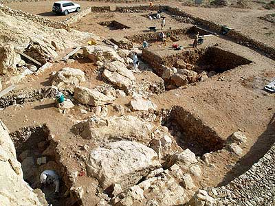 Ausdehnung der Grabungsschnitte 2009 (Foto: Joint Sharjah-Tübingen Archaeological Project)