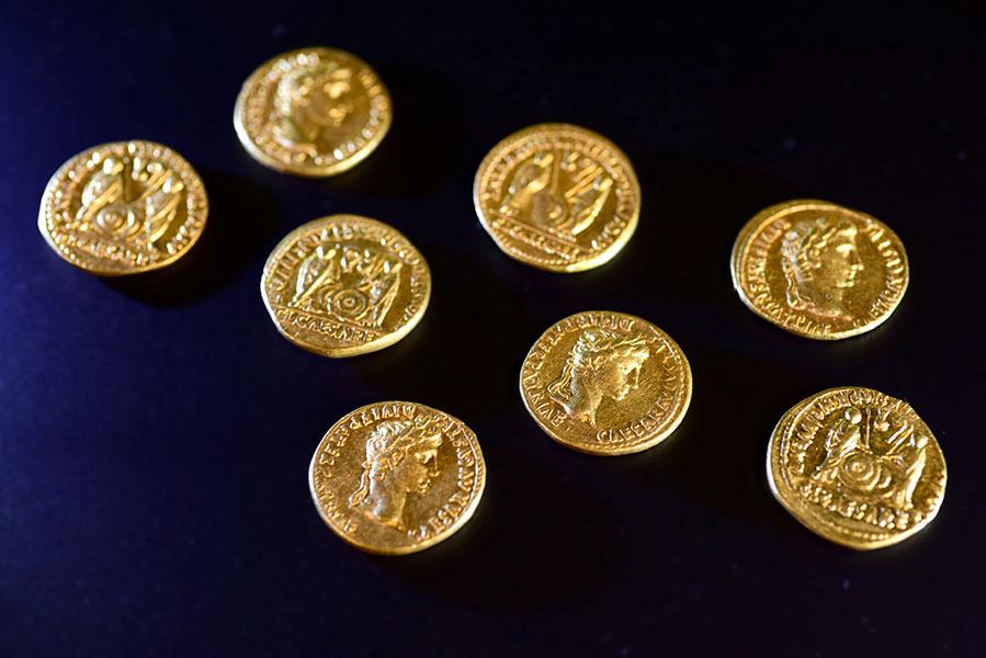 Goldmünzen vom Schlachtfeld
