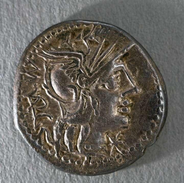Die keltischen Silbermünzen ahmen auf der Vorderseite einen römischen Denar nach