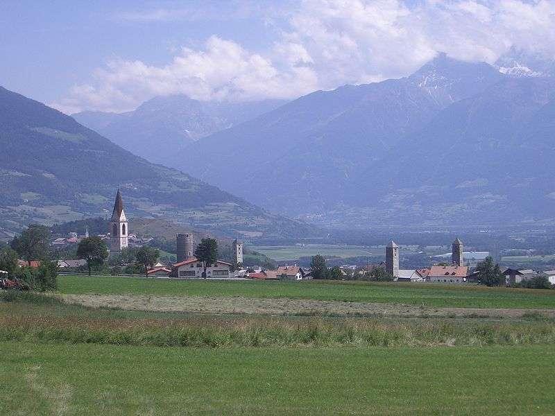 Mals/ Malles Venosta in Südtirol (Foto: StuartLaJoie; CC BY-SA 3.0)