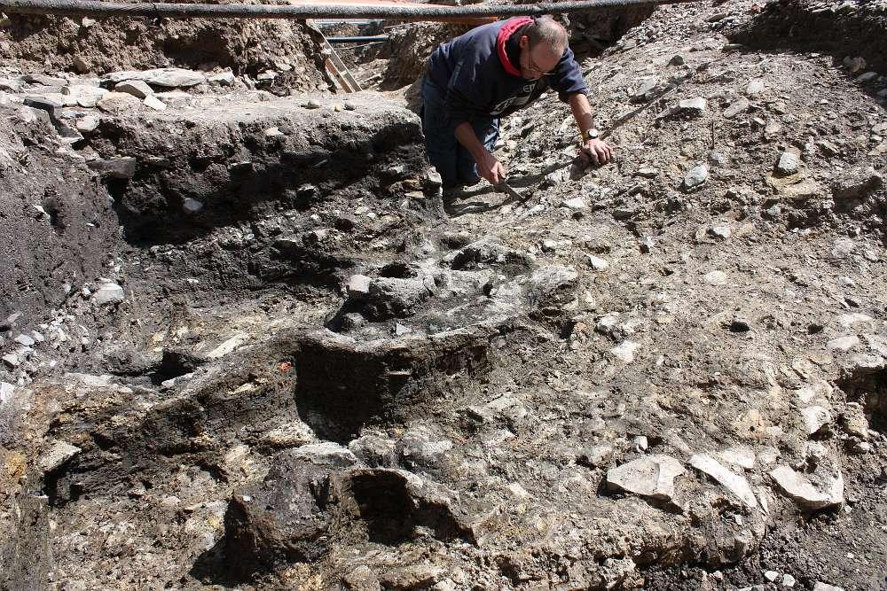 Reste von mindestens sechs Kuppelöfen aus dem 13. Jahrhundert