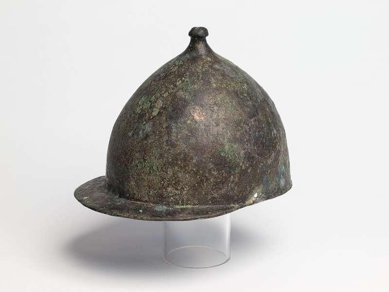 Vor über 100 Jahren wurde dieser römsche Militärhelm aus der 2. Hälfte des 1. Jh. v. Chr. in der Lippe gefunden - auf der Höhe des neu entdeckten Militärlagers. (Foto: LWL/S. Brentführer)