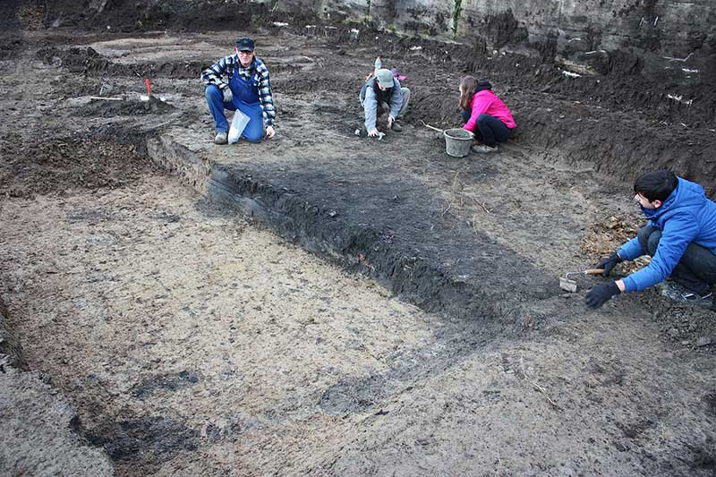 Ausgrabung Grubenhaus in Wewer