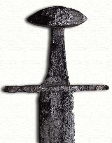 Abb. 1| Typischer - in der Frontal- und Rückansicht linsenförmig flacher - 'Paranussknauf' an einem Schwert, das dem 11./12. Jahrhundert zugeordnet werden kann. (Abb. mit freundlicher Genehmigung von Dr. L. A. Jones, www.vikingsword.com)